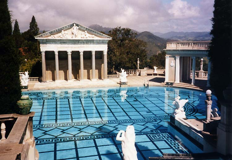 Can't talk about Hearst Castle without showing off the pool (Stan Shebs/WikiCommons)