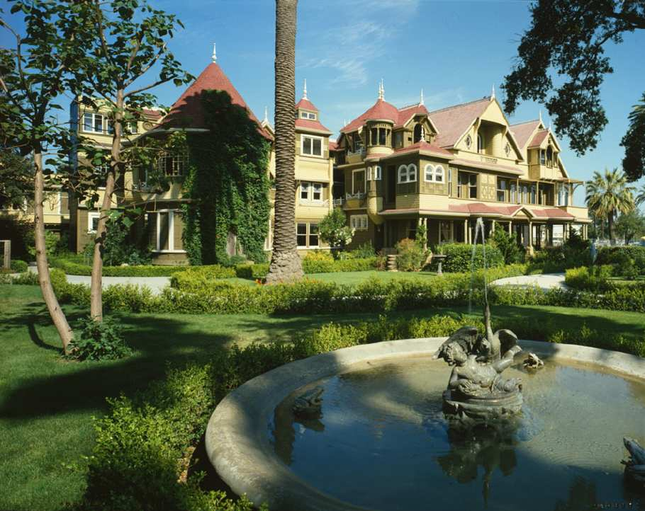 Photo of the Winchester Mystery House